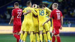 Ukrajině chybí k postupu na EURO bod, Francie díky penaltě porazila Island 1:0