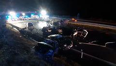 Provoz dálnice D1 na Benešovsku byl obnoven. Při tragické nedělní nehodě uhořel řidič