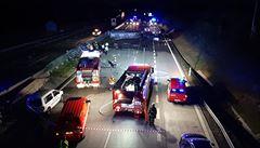 VIDEO: ŘSD zveřejnilo záběry z dramatické nehody cisterny a pěti aut na D1. V jednom z vozů jely zápasnice