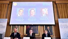 Nobelovu cenu za ekonomii získali tři vědci za snahu zmírnit světovou chudobu