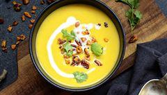 Batátová polévka s chilli ořechy. Jak na ni?