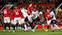 Liverpool poprvé v sezoně nevyhrál, na hřišti United vybojoval remízu pět minut před koncem