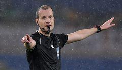VIDEO: Není ruka jako hlava. Vymyšlená penalta sudího Colluma připravila AS Řím o výhru v nastavení