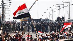 Při protivládních protestech v Iráku zahynulo nejméně 40 lidí. Bezpečnostní složky pálily 'ostrými'