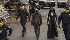 Odstraňte z HBO Watchmeny, volají aktivisté. Náš seriál policisty rozhodně nechválí, tvrdí scenárista