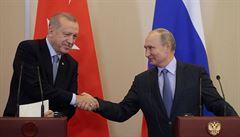 Erdogan dal po jednání s Putinem Kurdům dalších 150 hodin na stažení ze zóny u hranic