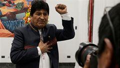 Morales obhájil mandát prezidenta Bolívie už v prvním kole voleb, čelí však obviněním z manipulací