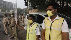 Indické hlavní město Dillí čelí třetí vlně epidemie koronaviru, situaci zhoršuje i silně znečištěné ovzduší