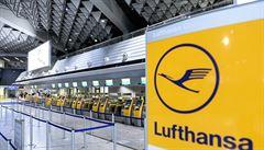 Letecká společnost Lufthansa se chystá zrušit 22 tisíc pracovních míst, z toho polovinu v Německu