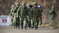 U hranic s Ukrajinou bude mít Rusko armádu tak dlouho, jak uzná za vhodné, oznámil Kreml