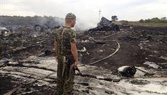 Vyšetřovatelé letu MH17 odhalují pomocí telefonátů vazby mezi separatisty a Moskvou