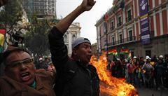 Nepokoje v Bolívii si vyžádaly již deset mrtvých, Morales z exilu hovoří o diktatuře