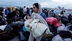 Migrační návrh je přijat s rozpaky. Povinné kvóty jsou pro strany problematické, SPD navrhuje úprk z EU