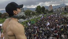 Do Kolumbie se vrací přízrak násilí. Zemi Pabla Escobara zasáhly masivní protesty