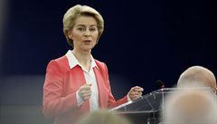 Evropská komise ve středu představí bilionový plán na obnovu ekonomiky po krizi. Doprovázejí ho odlišné názory