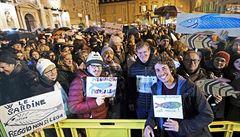 Dva měsíce před regionálními volbami plní italská náměstí Sardinky