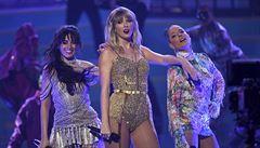 Hudba i pře o práva. Ceny American Music Awards znovu ovládla Taylor Swiftová
