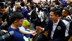 Volby v Hongkongu drtivě vyhrál prodemokratický tábor, získal 392 ze 452 křesel