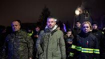 Hasiči ráno uhasili požár paneláku v Prešově. Je potvrzeno pět obětí, další lidé jsou ale nezvěstní