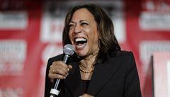 PETRÁČEK: S Harrisovou do boje. Pomůže nebílá senátorka Bidenovi k vítězství?