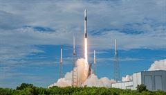 Zásobovací loď Dragon úspěšně odstartovala k ISS, veze myši i ječmen
