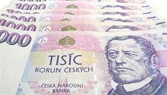 Banky z nás za rok vysály 47 miliard korun na poplatcích