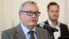 Volba kurzu 28 korun za dolar se ukázala jako dobré rozhodnutí, říká porevoluční ministr Dlouhý