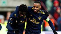 Arsenal slaví postup do play off EL z prvního místa. V Lutychu remizoval 2:2