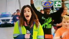 VIDEO: Běžec plácl reportérku přes pozadí v přímém přenosu, nyní je obviněn z obtěžování