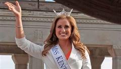 Učitelka a Miss Kentucky 2014 posílala intimní fotografie svému nezletilému žákovi. Hrozí jí 2 roky vězení