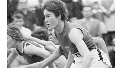 Zemřela olympijská vítězka z Tokia Balzerová, která zářila nad překážkami