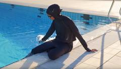 Společnost Nike začlenila hidžáb do nové kolekce plavek, dostupný bude od začátku února