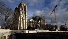 V Notre-Dame poprvé po více než 200 letech nebyla půlnoční mše, arcibiskup ji odsloužil v šapitó