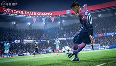 Počítačová hra FIFA obsahuje podle úřadů prvky hazardu, nelíbí se jim kupování balíčků
