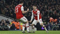 Arsenal porazil Manchester United, Tottenham překvapivě prohrál se Southamptonem a ztratil střelce Kanea