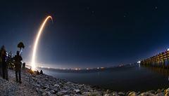 SpaceX vypustí první raketu s posádkou. Z americké půdy odletí tento týden po 9 letech do vesmíru lidé