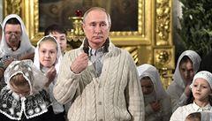 Pravoslavní křesťané slaví Vánoce. Nočních bohoslužeb se zúčastnili Putin i Medveděv