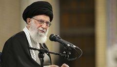 Twitter zablokoval účet Chameneímu. Íránský ajatolláh vyhrožoval Trumpovi