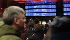 Silný vítr poničil v Praze trakční vedení na železnici. Vlaky měly zpoždění nebo ani neodjely