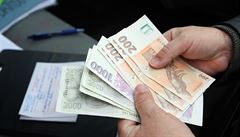 Konec úvěrů pro nemajetné. Nový zákon má chránit před lichváři
