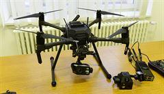 Konec volného létání dronů. Asi 50 tisíc majitelů čeká do konce roku registrace