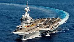 Francie znovu vysílá svou letadlovou loď do východního Středomoří, zapojí se do boje proti IS