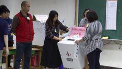 Tchaj-wan volí proti Pekingu. Ostrov si chce vzít příklad ze situace v Hongkongu