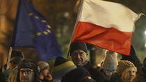 Soudce, kteří zpochybní vládní reformu, budou v Polsku trestat. Poslanci přijali kontroverzní zákon
