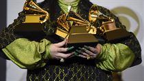 Udílení cen Grammy ovládla zpěvačka Billie Eilishová. Umělci uctili památku zesnulého basketbalisty Bryanta
