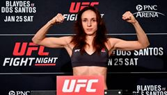'Měla jsem mít v UFC další smlouvu, ale manažeři chybovali,' říká Pudilová. Teď zápasí v Česku