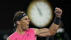 VIDEO: Nadalovy zlozvyky či Karlovičův dělový servis. Mladý nadšenec napodobuje zažité pohyby tenistů