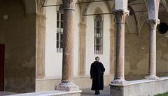 Celibát odrazuje budoucí kněze. Polovina adeptů opustí seminář, zjistí, že chtějí rodinu