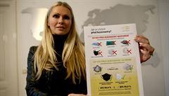 Nové roušky s mědí zabíjejí koronaviry. Česká firma našla volné kapacity na jejich výrobu v Izraeli