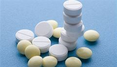 Léky pro Čechy mizí v cizině. Na vině jsou nižší ceny